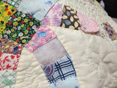 Fabulous Tutorial REPAIRING A QUILT Wedding Ring Quilt This is an old wedding ring quilt that is in need of repair Many areas a