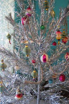 Our tinsel tree.  Vintage Christmas #vintagechristmas