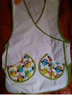 Imagen relacionada Lab Coats, Kuta, Accent Pillows, Apron, Diy Crafts, Sewing, Irene, Fashion, Teacher Apron