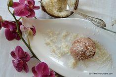 Inghetata de casa cu cocos si ciocolata - Bounty. Inghetata cremoasa de ciocolata si fulgi de cocos este atat de buna incat nu te poti opri din mancat.