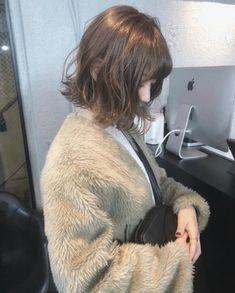 Blunt Cuts, Mi Long, Perm, Bob Hairstyles, Medium Hair Styles, Hair Color, Hair Beauty, Photo And Video, Fashion