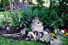 Farm-styled outdoor fairy garden via Funky Junk Interiors. So-o-o-o cute!