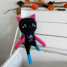 cat doll with embroidery / Břichopas toys