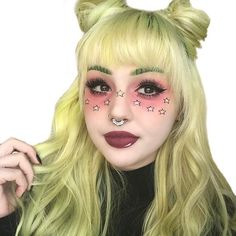 I was snapping people with this makeup on and someone thought it was a filter.  Ignore the uneven stars. They were hard to freehand, but this is @valfre inspired! _______________________________________________________ Shadows:  @stylistylecosmetics blush in Rosé & Flushed Lashes: @eylureofficial Vegas Nay Grand Glamour (top) & some @ardell_lashes ones (I forget the name) on bottom + @ilovepacifica Dream Big Mascara  Lips: @dbenoitcosmetics For U Anne + @katvondbeauty White Out Concealer…