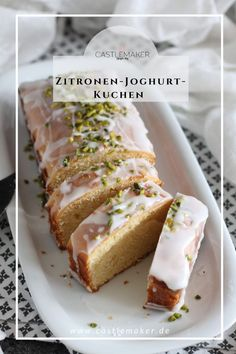 Lemon cake with yogurt from the caste . - Delicious lemon cake with yoghurt as a box cake. Simple recipe for those who love lemon juice. Box Cake, Food Cakes, Food Items, Yummy Cakes, Cookie Recipes, Food And Drink, Easy Meals, Sweets, Lifestyle Blog