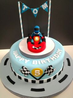 Go kart cake. Nascar Cake, Go Kart Party, Thomas Birthday Cakes, Kids Party Snacks, Race Car Party, Sport Cakes, Boy Birthday Parties, 10th Birthday, Cake Pictures