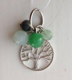 Metalen Tree of Life met 8mm amazoniet, 8mm groen jade, 6mm mos agaat en 6mm aventurijn. Gemaakt door JuudsBoetiek.