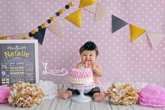 Session One Years.  Baby Girl.  Session Smash The Cake.  First Birthday Cake Smash Session www.lucianathomaz.com/blog