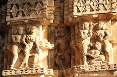 """Close up of one of the images on the panel. On the outer walls there are as many as 54 erotic sculptures in different poses. These asanas from the """"Kam sutra"""", are truly an epitome of eternal love and beauty. They are artistically significant too. Bodh Gaya, Archaeological Survey Of India, Shiva Linga, Tribal Dance, Types Of Horses, See Picture, Indian Art, Erotic Art, Sculptures"""