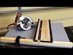Woodworking Circular Saw MAX CUT 2 дисковая пила Crosscut и митру Jig - I have this new Jig I recently built and I thought it was a unique jig to have in the shop. I kinda wish I had this years ago when I first started experimenting w. Circular Saw Jig, Best Circular Saw, Cordless Circular Saw, Circular Table, Woodworking Power Tools, Woodworking Saws, Woodworking Projects, Woodworking Store, Table Saw Fence