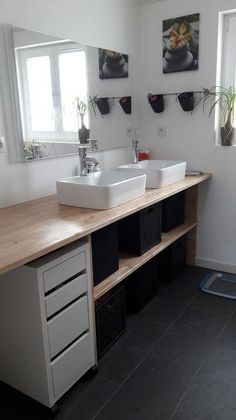 Kozikaza members share with you their tricks to remodel a bathroom yourself, and for. Cheap Renovations, Renovation Budget, Bathroom Renovations, Wc Design, Cheap Bathrooms, Small House Plans, Architecture Plan, Home Staging, Home Deco