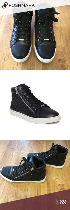 ♣️Steve Madden Women's Black Quilted Sneakers♣️ ♣️Myntra Steve Madden Women's Black Quilted Sneakers♠️High Tops♣️Lace-Up/Zipper Details♣️Quilted Outer♣️ Worn But In Very Good Condition Nice Sneakers But A Little Tight On My Little Toe♣️🙃 Steve Madden Shoes Sneakers