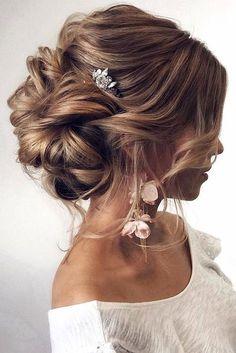 Best Wedding Hairstyle Trends 2018 ❤️ wedding hairstyle trends swept volume bun tonya pushkareva via instagram ❤️ See more: http://www.weddingforward.com/wedding-hairstyle-trends/ #weddingforward #wedding #bride #weddinghairstyles #bridalupdo #weddinghairstyletrends #weddinghairstylesvintage