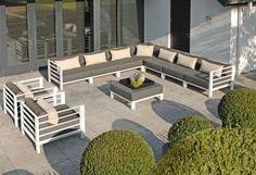 Borek Horizon, Design van Marcel Wolterinck. Aluminium lounge met Sunbrella kussens Outdoor Lounge, Outdoor Living, Outdoor Decor, Garden Furniture, Outdoor Furniture Sets, Go Outside, Terrace, Garden Design, Indoor