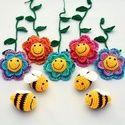 méhes babaforgó színes virágokkal - horgolt gyerekszoba dekoráció, Baba-mama-gyerek, Dekoráció, Gyerekszoba, Mobildísz, függődísz, Horgolás, Meska