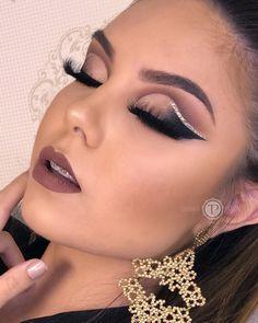 Taynara Maeda Pontalti sur Instagram : Último dia de atendimento esse ano agora féeeeeeerias Boa noite com essa model linda @paula_vitt Agendamentos pelo fone (44)9…