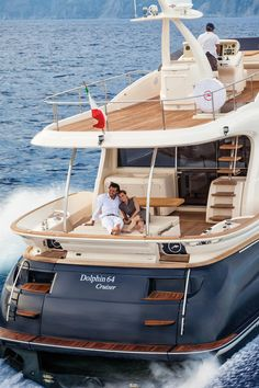 External view Mochi Craft - Dolphin 64' Cruiser #yacht #luxury #ferretti #mochi