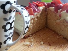 Strawberry yoghurt cake