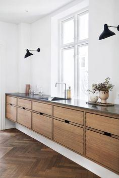 All White Kitchen, New Kitchen, Kitchen Layout, Awesome Kitchen, Danish Kitchen, Kitchen Paint, Beautiful Kitchen, Long Kitchen, Cheap Kitchen