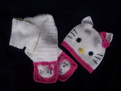 Hello Kitty Beanie and Scarf Set