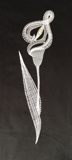 Bruges Lace, Bobbin Lace Patterns, Lace Heart, Lace Jewelry, Needle Lace, Lace Design, Lace Detail, Needlepoint, Butterfly