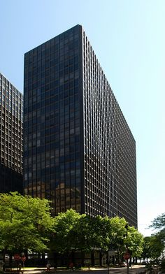 Esplanade Apartment Buildings, 900 North Lake Shore Drive, Chicago, Illinois by Ludwig Mies Van der Rohe :: 1956