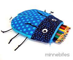 Käfer-Bag von MinneBites / handgemachte Boys Toy Bag - Necessaire für Kinder - Schule-Federmäppchen - Bug - blau bleistift Pouch - bereit zum Schiff