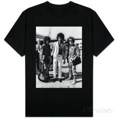 The Jimi Hendrix Experience Arriving at Heathrow Airport, August 1967 Tシャツ