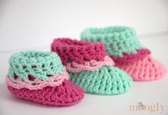 Subscribe to the Free Weekly Newsletter A little while ago I shared my pattern for the Loopy Love Newborn Baby Booties, and asked if you'd like to see them in more sizes… and the answer was a resounding Yes! So today I've finally finished the patterns for the next 3 sizes, and am proud to [...]