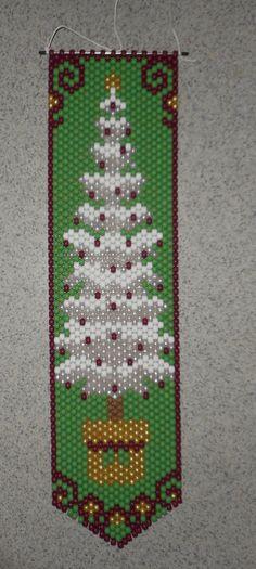 Árbol de Navidad blanco de mano a mano con cuentas Banner moldeado con cuerda de Nylon