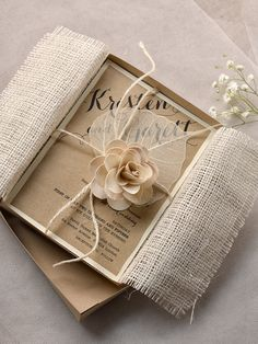 38 Convites De Casamento Rústico: Modelos Descolados E Elegantes. Box InvitationsBurlap  Wedding ...