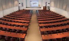 Impresionante el auditorio de la Walter Reed Academy en Hollywood