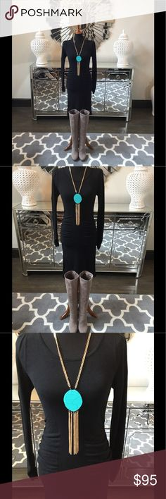 Mango Knit Dress Stunning Mango Black Knit dress. Gorgeous knit fabric hugs your curves in all right places. Drapes and flows effortlessly. Nice cinching in waist. Small shoulder pads add a structured and edgy look. Perfect staple dress! Mango Dresses Midi