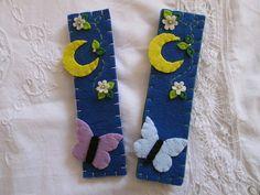 Felt boookmark- Bookmark with butterfly, moon and tiny flowers - Spring bookmark - Gift for book lovers -  Segnalibro in feltro con farfalla luna e fiori  di TinyFeltHeart