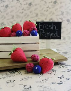 Set of 15 Felt Berries in Carton. Pretend Play by FeltFoodCafe