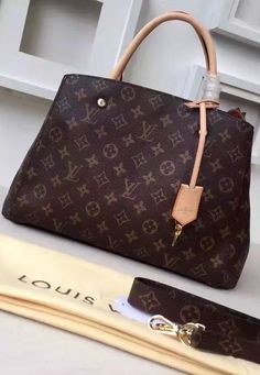 The exterior is slim, increasing the practicality of the Louis Vuitton Monogram Canvas Montaigne MM M41056 to a completely new level. But, inside it is well-organized, well-designed and also practical. Compartments are sufficient for women who want space only, or those who want to carry a fashion statement and still get plenty of space inside.  See more Louis Vuitton bags at http://www.luxtime.su/louis-vuitton-handbags