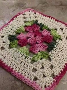 Transcendent Crochet a Solid Granny Square Ideas. Inconceivable Crochet a Solid Granny Square Ideas. Motifs Granny Square, Crochet Motifs, Crochet Blocks, Granny Square Crochet Pattern, Crochet Squares, Crochet Doilies, Crochet Flowers, Crochet Patterns, Granny Squares