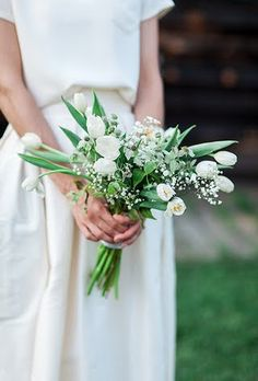 Spring Wedding Bouquets with Tulips: All-White Tulip Bouquet with Thistle and Baby's Breath Tulip Bouquet Wedding, White Tulip Bouquet, Spring Wedding Bouquets, Fall Wedding Flowers, White Tulips, Bride Bouquets, Summer Wedding, Trendy Wedding, Boquette Wedding