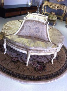 Canapea napoleon