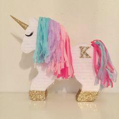 Piñata de unicornio con monograma decorativa personalizada