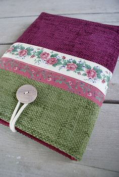 Laptop sleeve for 13 inch Macbook by SandraStJu, via Flickr