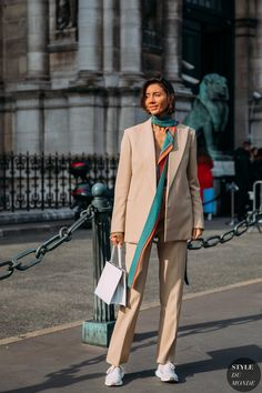 Julie Pelipas by STYLEDUMONDE Street Style Fashion Photography FW18 20180228_48A8421