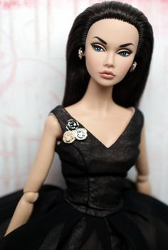 Fashion dolls by Jason Wu | Poppy Parker - her story begins w/ her arrival in NY.