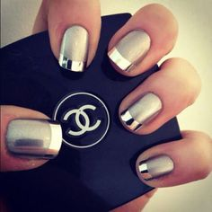 Beautifully swish nails with mirror-shine tips