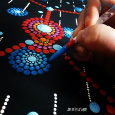 Abstract Dot Art schilderij SINGING IN THE RAIN Tessa Smits - detail