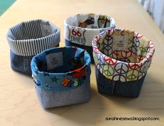 Recycled Denim Fabric Baskets (With images) Sewing Hacks, Sewing Tutorials, Sewing Crafts, Sewing Projects, Fabric Crafts, Artisanats Denim, Denim Fabric, Denim Quilts, Denim Purse