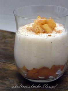 Zdrowy deser z kaszy manny i jabłek