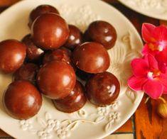 Almond Joy Fat Bombs (low carb, keto) | Low Carb Diem