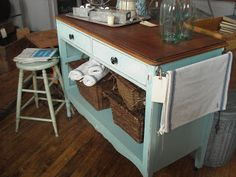 Super diy kitchen island dresser old desks Ideas Plywood Furniture, Refurbished Furniture, Repurposed Furniture, Furniture Projects, Furniture Makeover, Painted Furniture, Diy Furniture, Vintage Furniture, Chair Makeover