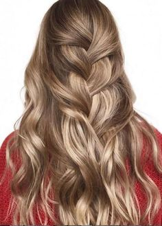 Trendy Hair Color & Balayage : Mane Interest – The New & Now For Hair & Beauty Haircuts For Thin Fine Hair, Short Shaggy Haircuts, Curly Hair Cuts, Short Bob Hairstyles, Hairstyles Haircuts, Curly Hair Styles, Trending Hairstyles, Short Haircut, Bob Haircuts